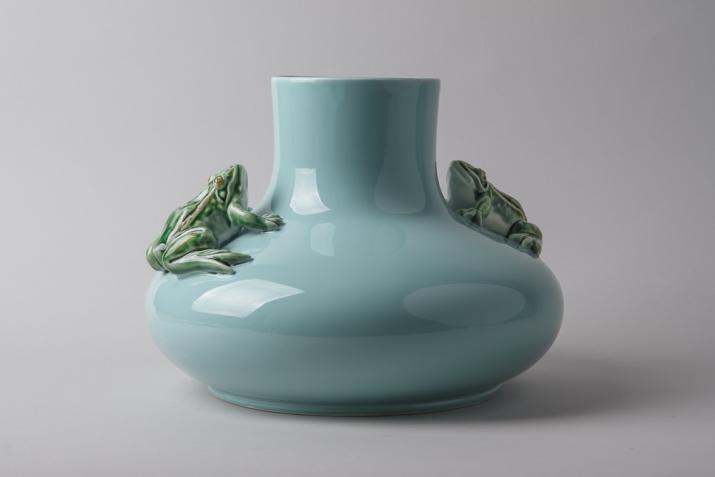 Jade Blue Frog Vase Saudade