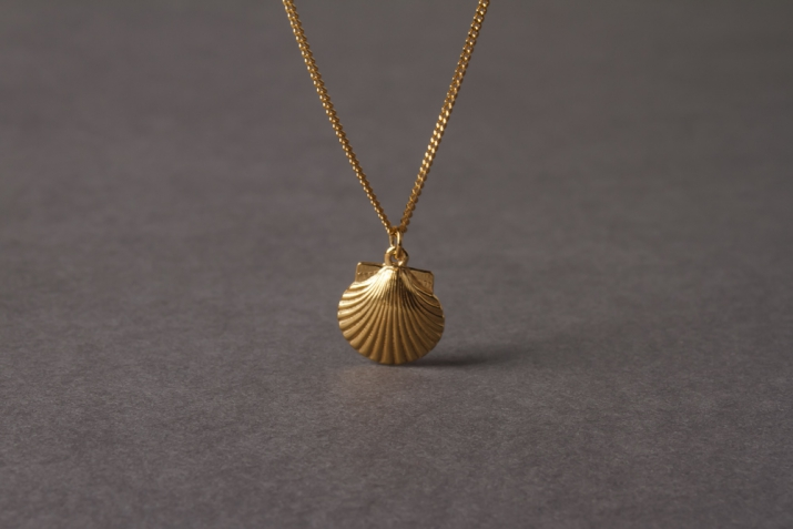 gold charm scallop plated shell necklace